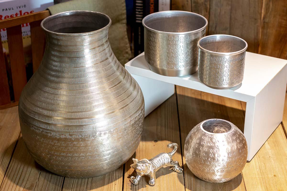 Gift Company: Metallvasen und Übertöpfe / 9,95 € / 14,95 € / 19,95 € / 59,95 €